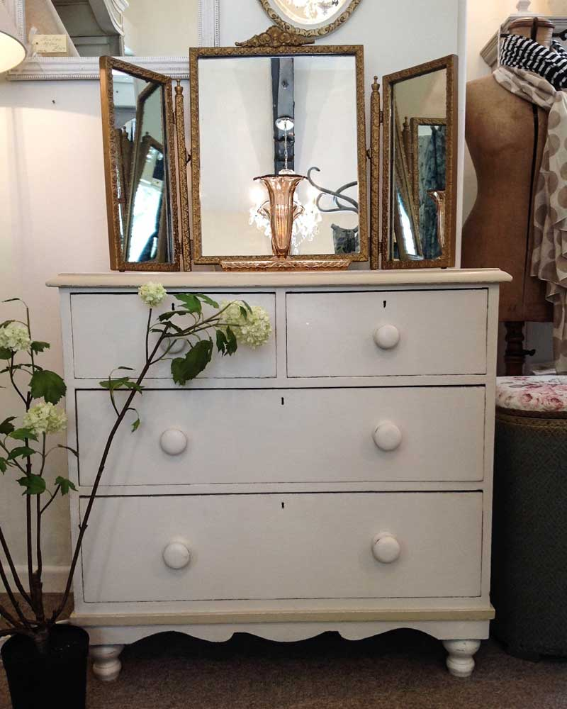 Image of Cooper and Cooper bedroom drawers
